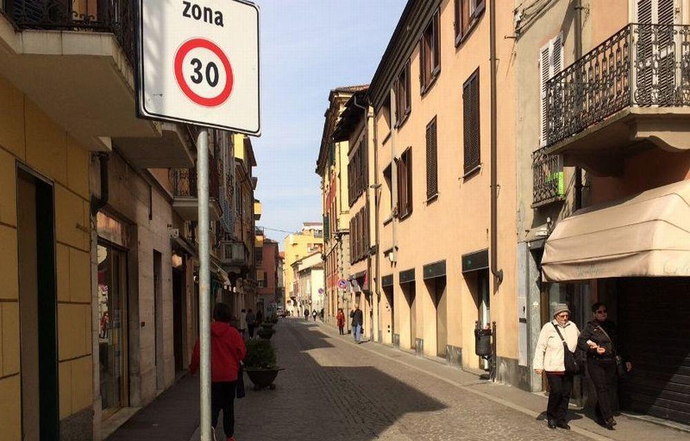 Passata la Festa, gabbato lo Santo: domenica a Tortona quasi tutti i negozi chiusi!