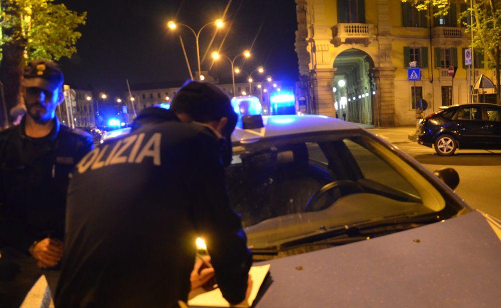 Brutto Natale per una famiglia ad Alessandria con un uomo che minaccia l'ex convivente e tenta di incendiare un auto, arrestato