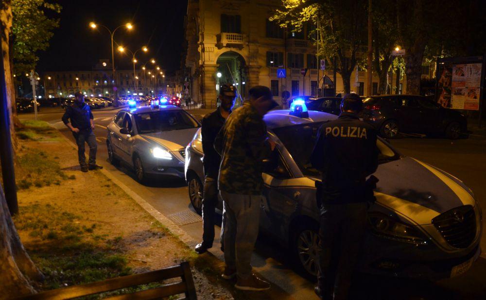 Rubano in un panificio ad Alessandria spaccando un vetro, tre marocchini nei guai