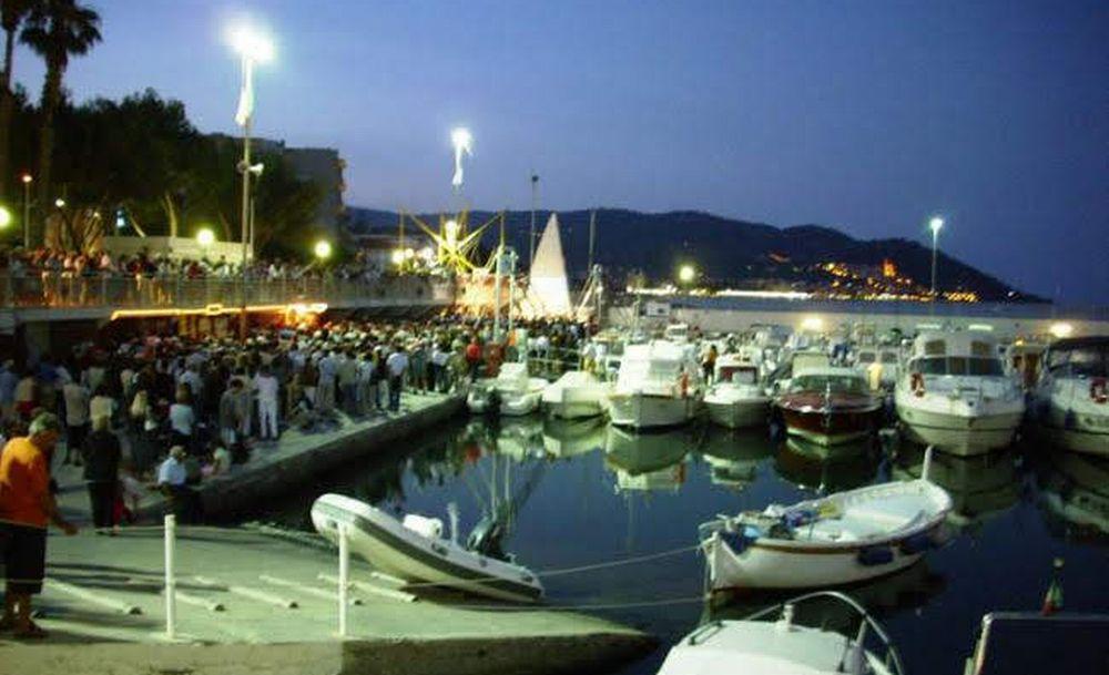 Il Vescovo della Diocesi di Ventimiglia-Sanremo a Diano Marina per la processione in mare