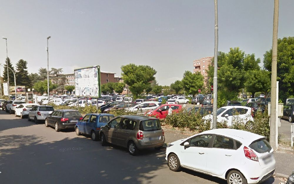 Alessandria asfalta piazzale Berlinguer, il parcheggio dell'ospedale civile