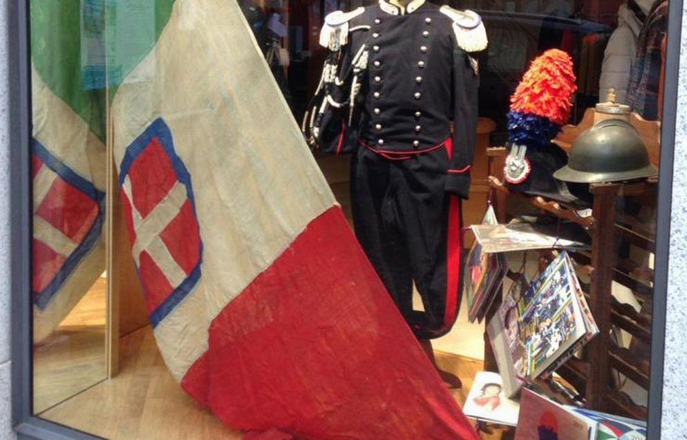 A Tortona una vetrina dedicata ai Carabinieri per il 4 novembre