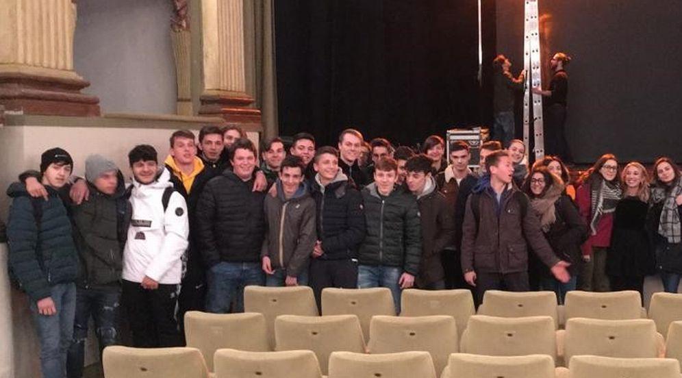 """Gli studenti del """"Marconi"""" di Tortona a teatro"""