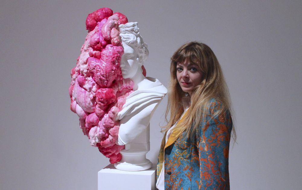 Bella mostra di Marina Vargas a Diano Marina, aperta fino al 10 marzo