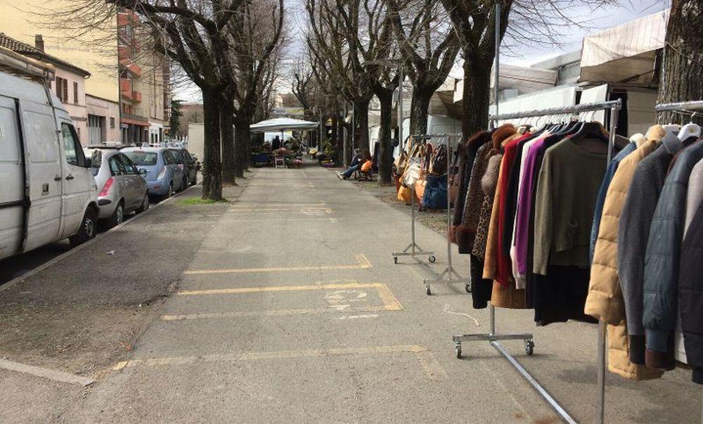 Il Mercato a Tortona: c'erano una volta i banchetti di piante e fiori al mercoledì…
