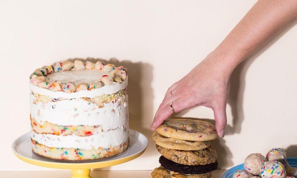 Alessandria, giovane entra in gelateria, ruba una torta e scappa. Preso dai Carabinieri