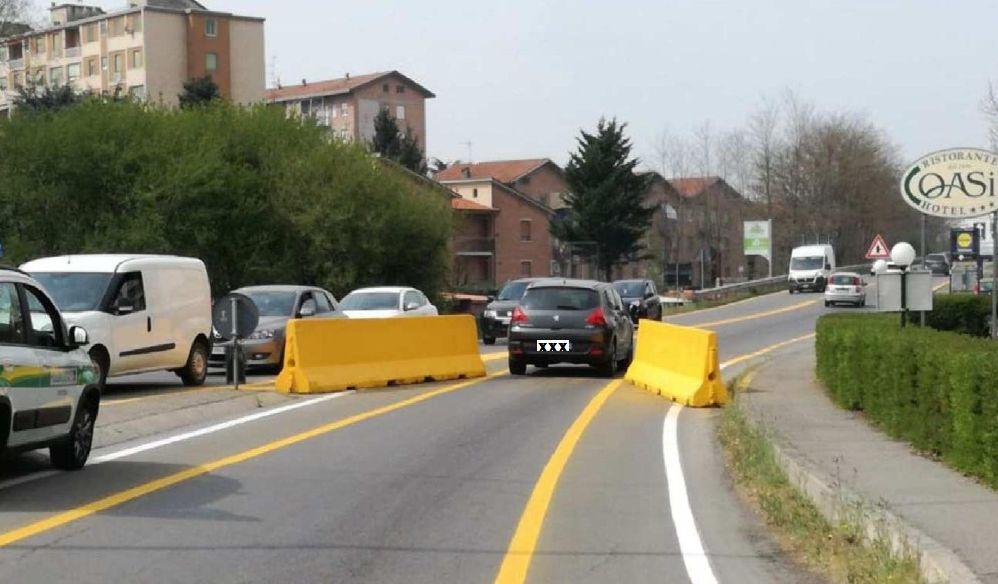Viadotti sempre più pericolosi e rischiosi a Tortona, il Comune limita il traffico così. Aggiustarli no?