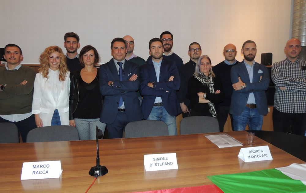 A Tortona i candidati di CasaPound si sono presentati alla città. Le immagini di una sala strapiena con Simone Di Stefano, segretaio nazionale