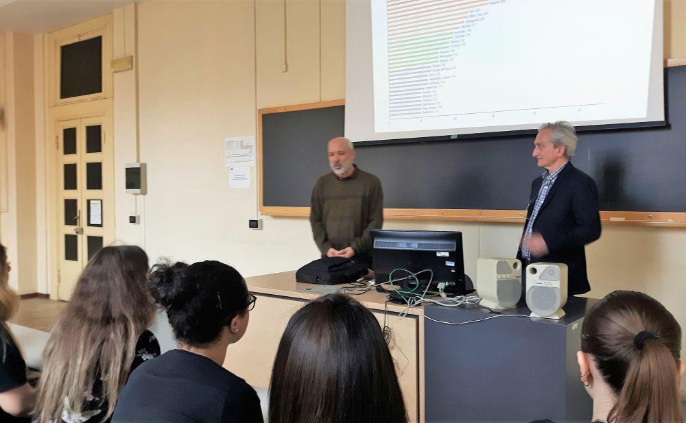 """Gli studenti dell'I.I.S."""" Marconi"""" di Tortona a lezione nella sede dell'Università del Piemonte Orientale"""