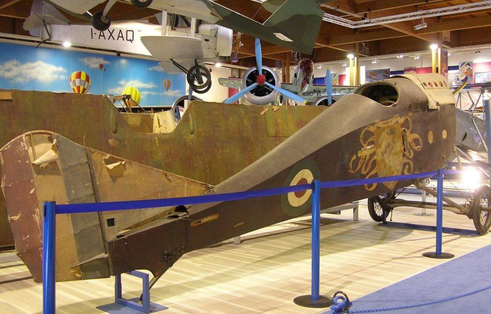 Il vecchio aereo Balilla festeggerà i 102 anni  a casa del suo pilota Natale Palli a Casale