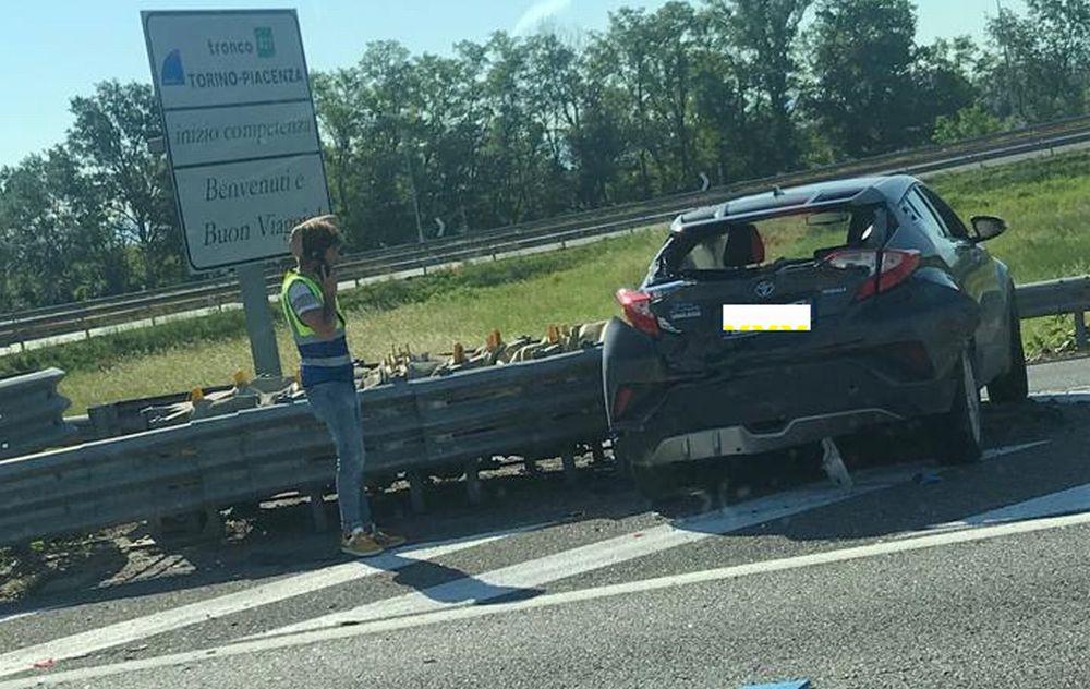 Esce illeso dall'incidente con il camion alla periferia di Tortona. Altri due incidenti a Novi e Castellazzo