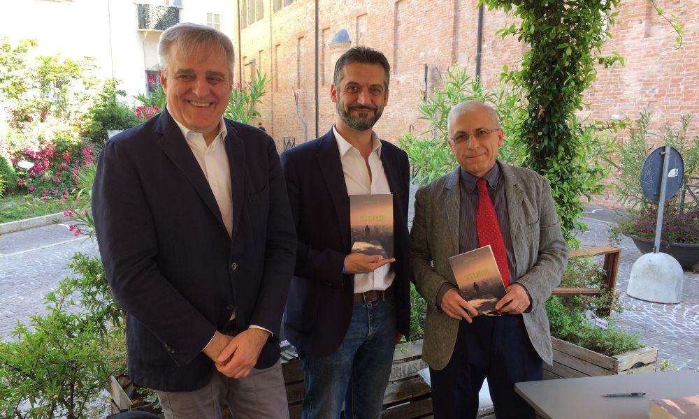 """Un successo a Tortona la presentazione del libro """"Storie"""" col Sindaco e il presidente della Fondazione"""