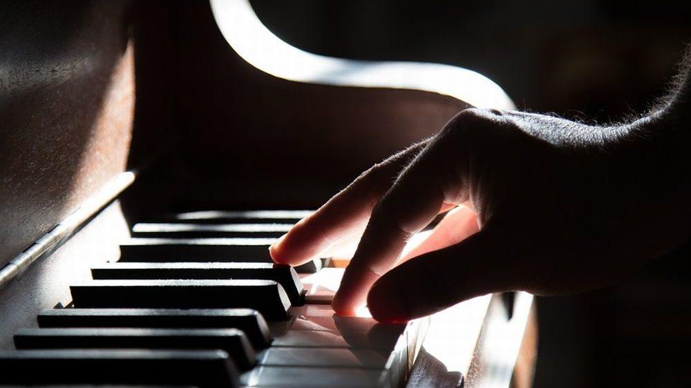 Musica e suggestione per il doppio concerto dei pianisti Costa e Gragnani nel week end in val Curone