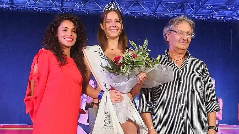 Giulia Bobocea eletta Miss nella prima di SanBart Cabaret