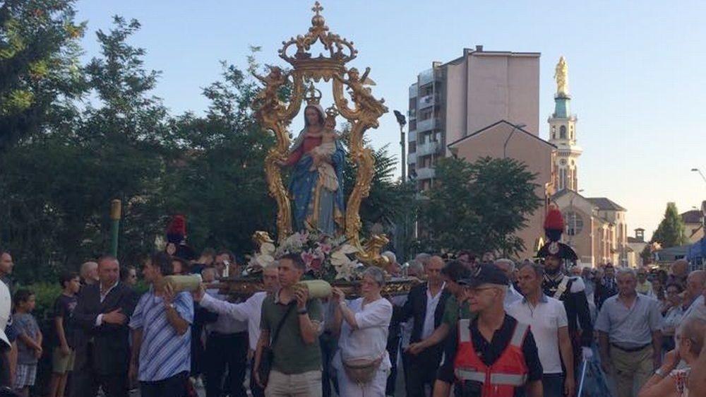 A Tortona migliaia di persone alla Festa della Madonna della Guardia. Le immagini