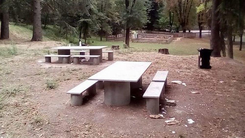 Vandali e maleducati al Parco del Castello di Tortona