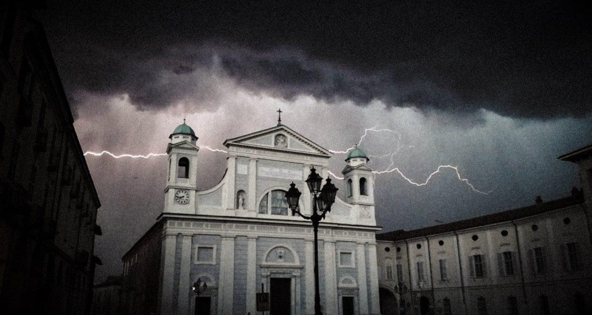C'è Oggi Tortona: una splendida immagine di Andrea Bottan sul temporale di ieri sera