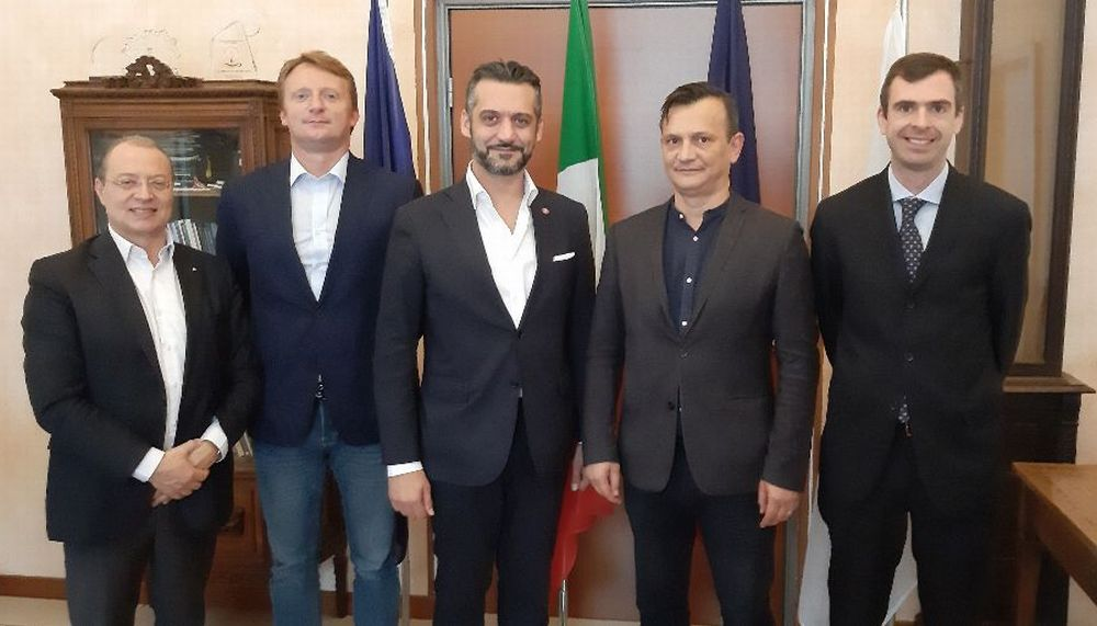 L'emissario del Consolato Rumeno è venuto in visita a Tortona per le oltre 1.600 persone che lavorano in città