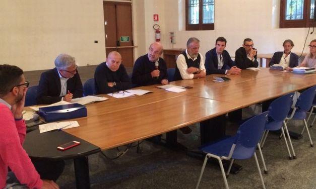 """Uno studio (non pubblico) accerta che i miasmi a Tortona arrivano da 4 impianti. """"Arpa e Provincia devono risolvere il problema"""""""