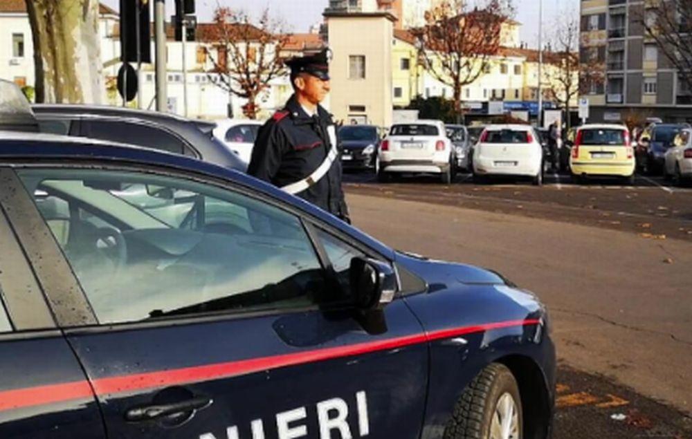 Novi Ligure, tenta la fuga forzando un posto di controllo, denunciato