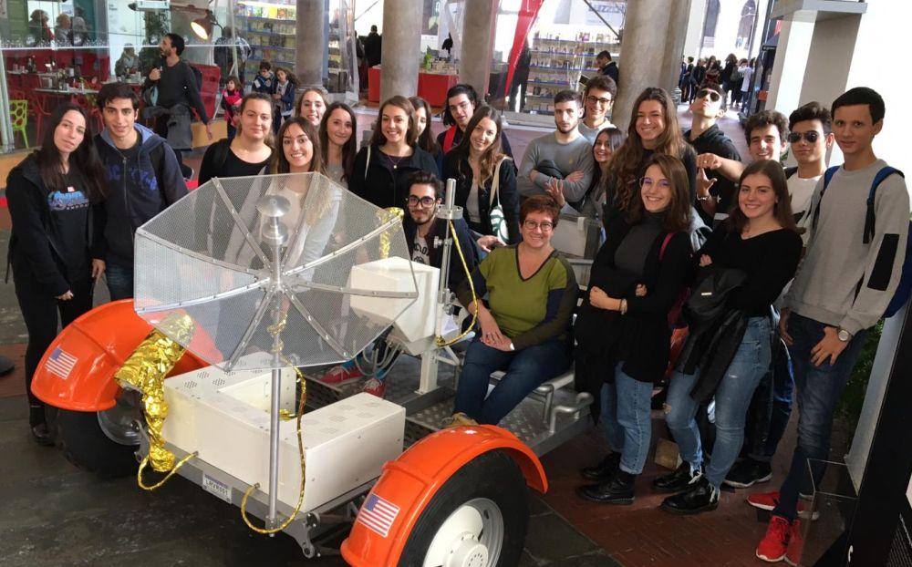 Gli studenti del Liceo Peano di Tortona al Festival della Scienza a Genova