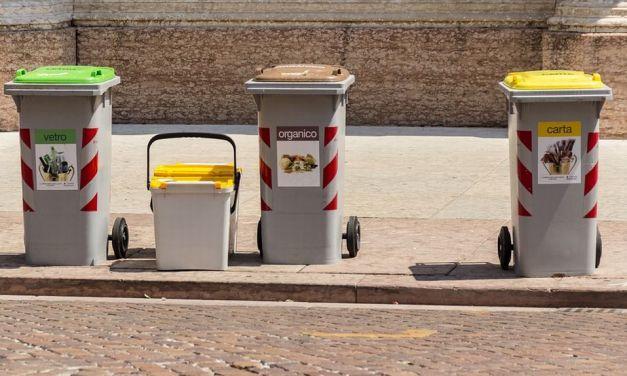 Rifiuti: no porta a porta, Tortona da aprile attuerà la raccolta con tessere magnetiche e sacchi ad hoc. Ecco come sarà
