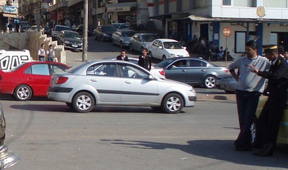 I Vigili urbani di Novi Ligure allontano parcheggiatori abusivi