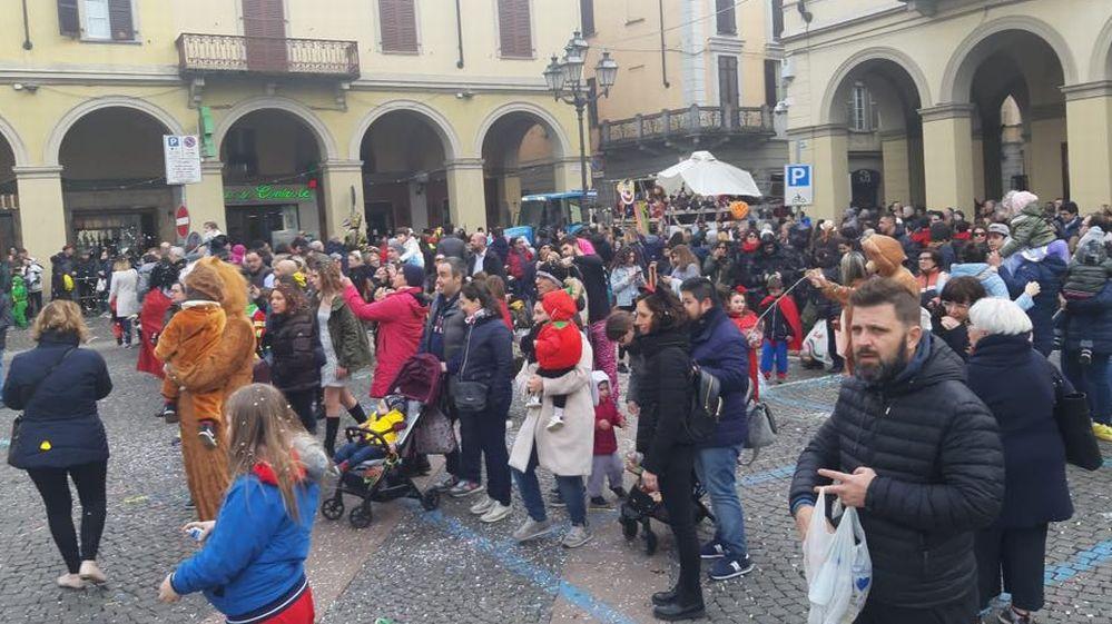 Le immagini del bel Carnevale di Tortona, toccasana contro il Coronavirus che non deve diventare una psicosi