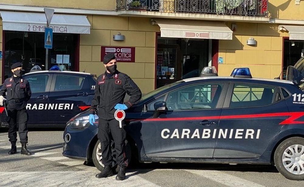 35enne tortonese stanco degli arresti domiciliari per stalking, va al bar e viene sorpreso dai Carabinieri