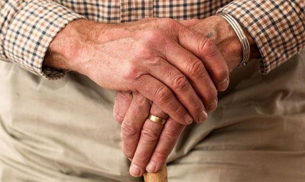 La Regione: fino al 1° marzo 750 mila tamponi rapidi ad ospiti e dipendenti delle residenze per anziani. (Trovato positivi il 5,5 e il 3%)