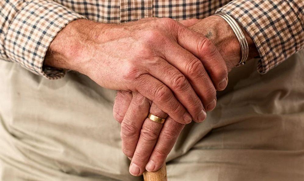 A Tortona per gli anziani che non possono uscire di casa e non sono accuditi  è sempre attivo il servizio SpesAnziani
