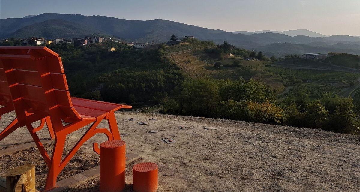 Dove passeggiare? Il Distretto Novese suggerisce la big bench di Bosio: il nuovo belvedere