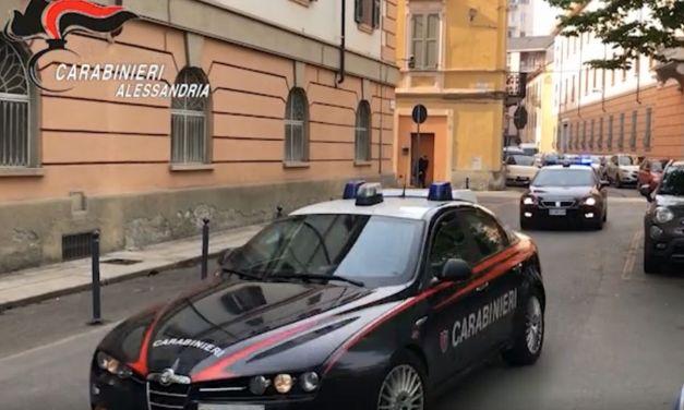 Corriere ruba 5.600 euro, individuato dai Carabinieri di Alessandria e denunciato
