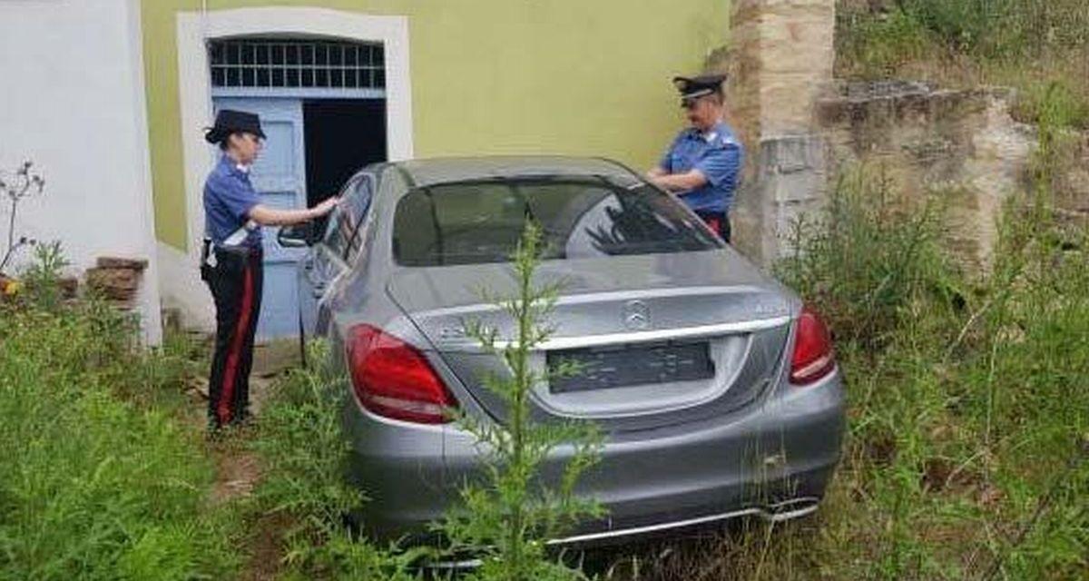 La storia di questa Mercedes rubata in Svizzera e trovata  a Vignale Monferrato…