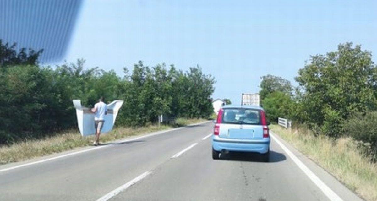 A Tortona dal camion in transito si stacca lo spoiler e per poco non colpisce un'auto. Code e traffico in tilt