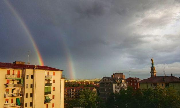 C'è oggiTortona: un doppio arcobaleno sulla città nell'immagine di Dino Giacomo zanardi