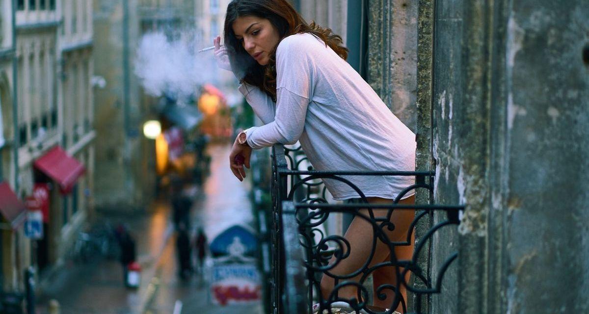 Si chiama Mara Salvetti e ha 29 anni la ragazza morta ieri a Carezzano per una caduta dal balcone