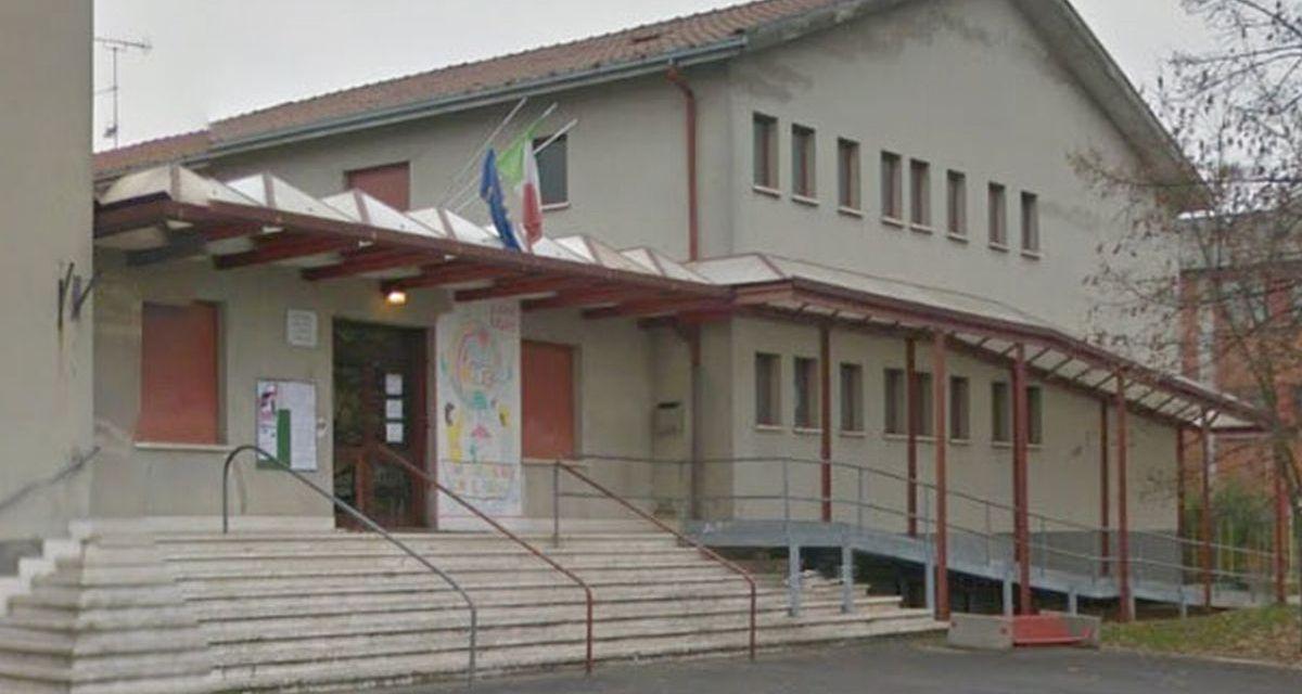 A Tortona bambina positiva al Covid in questa scuola, ma nessuno va in quarantena e le lezioni proseguono  regolarmente