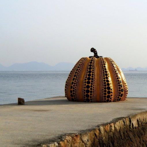 Citrouille de Yayoi Kusama sur Naoshima