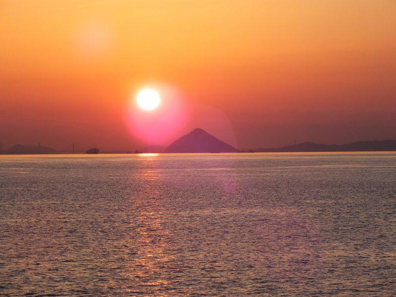 51 - Coucher de Soleil sur la Mer Intérieure de Seto