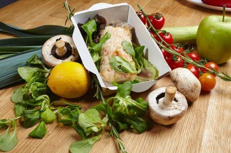 Apa yang bisa makan jamur jamur