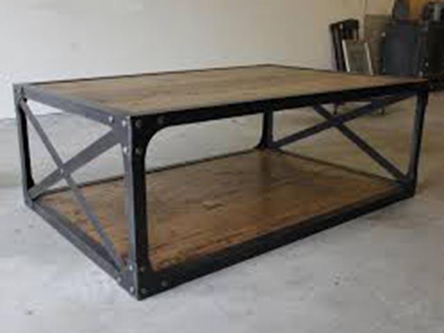 Industrijski dizajn stola