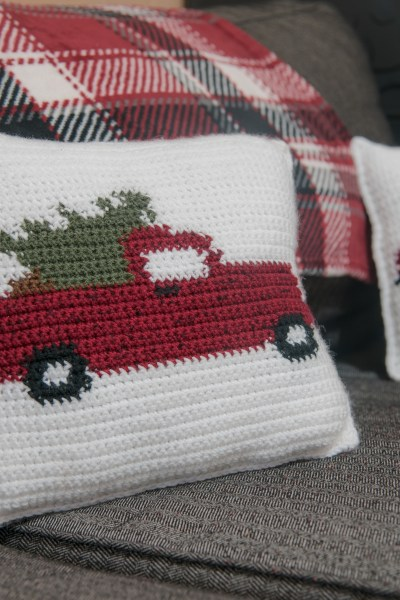 Free Crochet Pattern For The Vintage Red Christmas Truck
