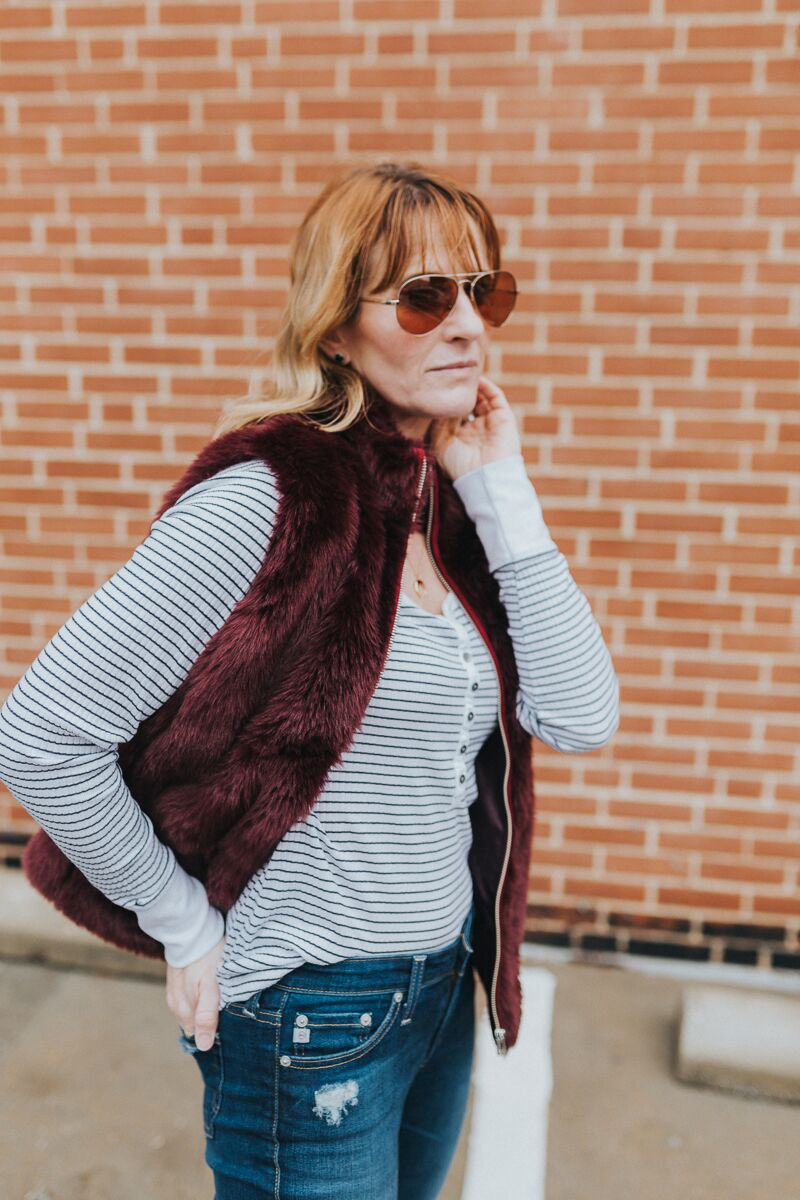 Long sleeve henley tee outfits