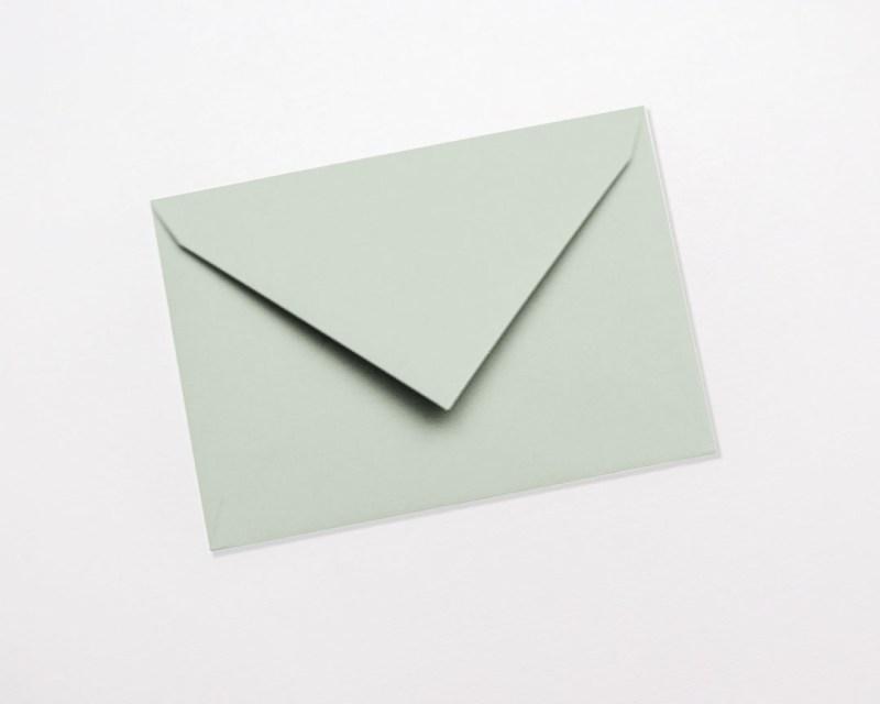 gekleurde enveloppen munt lichtgroen pastel pistache kiwi lichtgroen