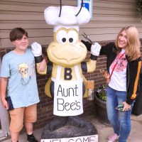 Uncle Hank's & Aunt Bee's