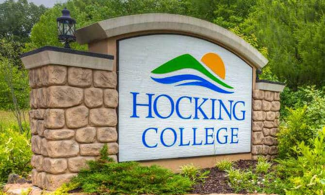 Hocking College Main Sign