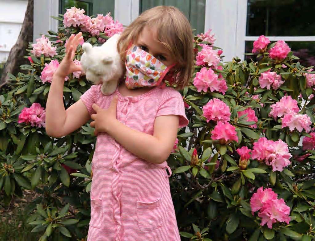 Behelfsmaske für Kinder mit bunten Allover-Motiv Obststücke
