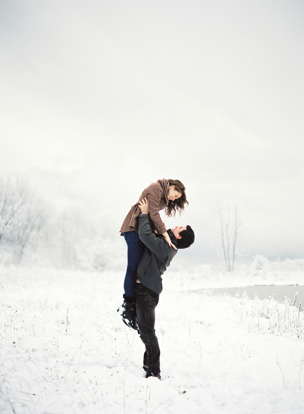 Making the Most of Your Winter Engagement Session | Oh Lovely Day