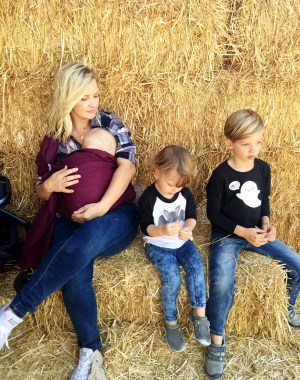 fun family fall tradition ideas and photos, plus a wild bird sling giveaway! the best for baby wearing and nursing!